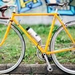 ロードバイクを「電動アシスト自転車」にする、スーパーハイテク機械が登場!!